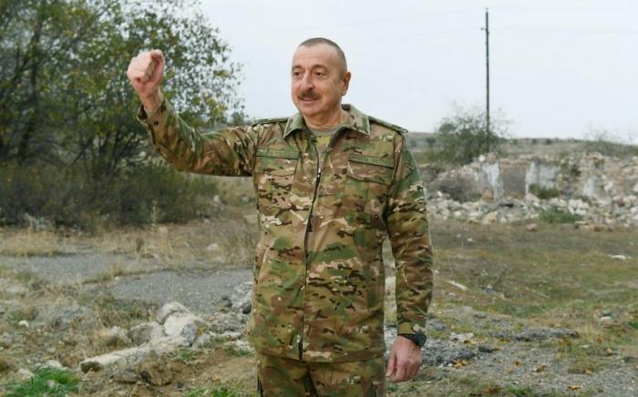"""Presidente Ilham Aliyev concede una entrevista a la revista rusa """"Defensa Nacional"""""""
