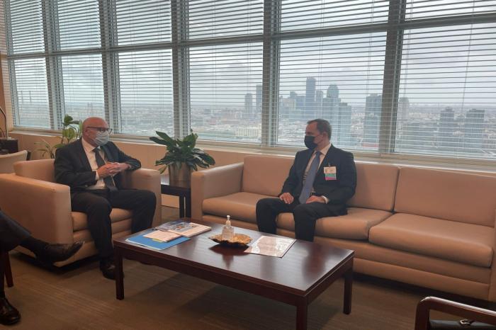 Jeyhun Bayramov se reunió con el Secretario General Adjunto de la ONU