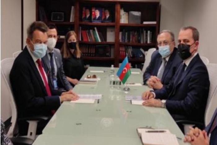 XİN rəhbəri Beynəlxalq Qırmızı Xaç Komitəsinin prezidenti ilə görüşüb