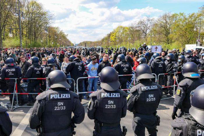 Beim letzten Wahlkampfevent der AfD fand Proteste in Berlin statt     - VIDEO