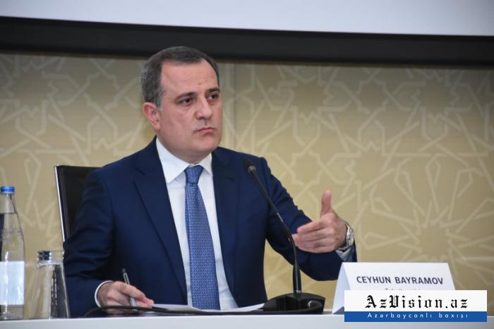 Jeyhun Bayramov traf mit dem Außenminister Armeniens zusammen