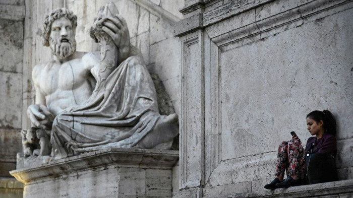 Would Plato tweet? The Ancient Greek guide to social media -  iWONDER