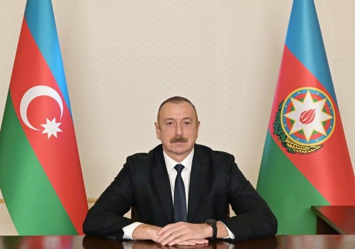 Präsident Ilham Aliyev spricht vor dem aserbaidschanischen Volk