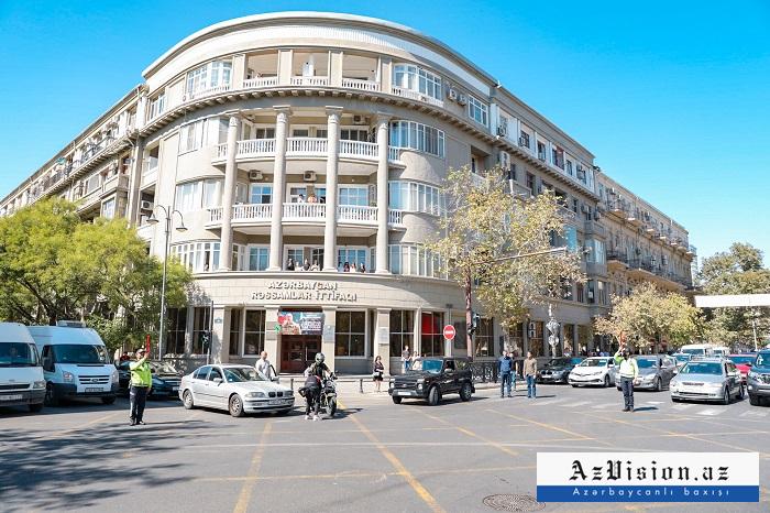 Aserbaidschan hält landesweite Schweigeminute für Märtyrer ein