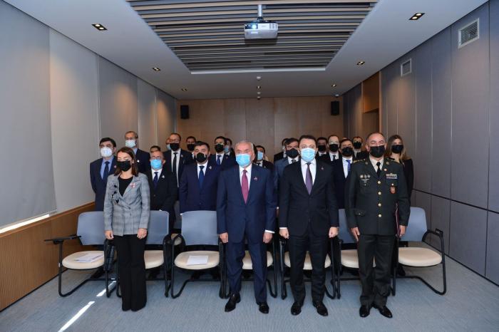 Azerbaijani MFA honours memory of Azerbaijani martyrs on Remembrance Day