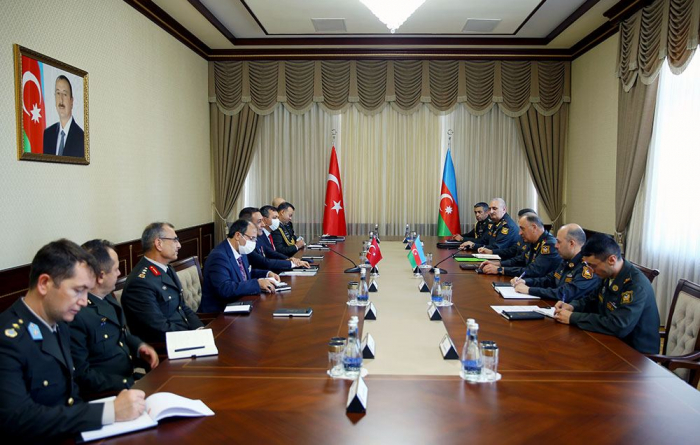 Chief of General Staff of Azerbaijani Armed Forces holds meeting with Turkey