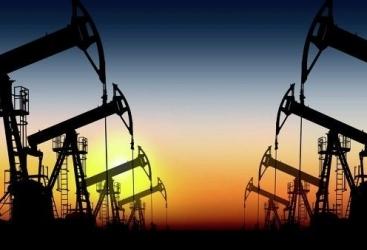 انخفاض سعر برميل النفط