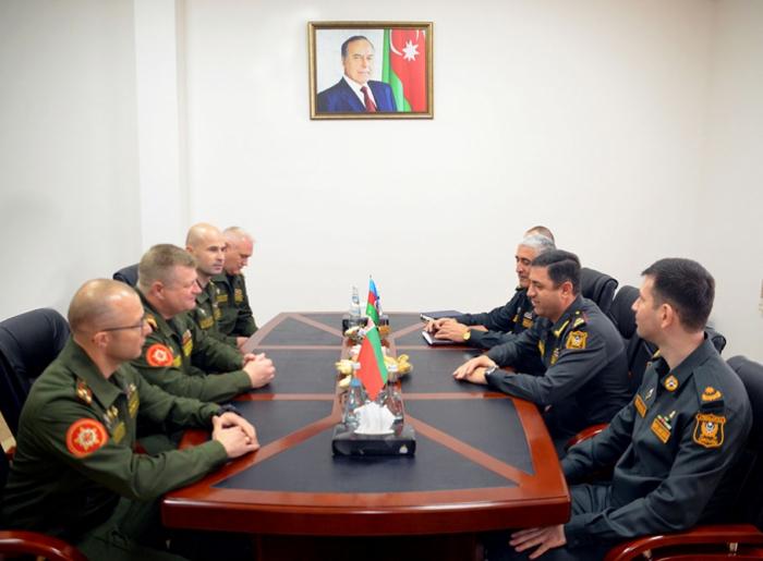 عقد اجتماع عمل بين العسكريين من اذربيجان وبيلاروس