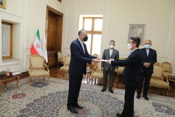 New Azerbaijani ambassador to Iran presents his credentials to Iranian FM