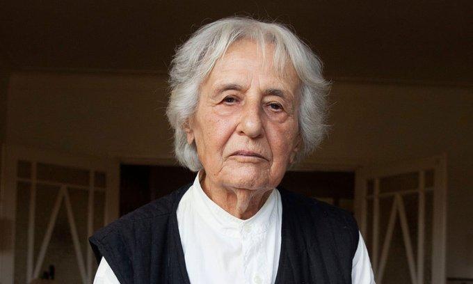 Una exsecretaria nazi de 96 años se da a la fuga justo antes del inicio de su audiencia judicial