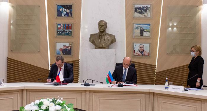 Azerbaijan, Czech Republic ink agreement on energy cooperation