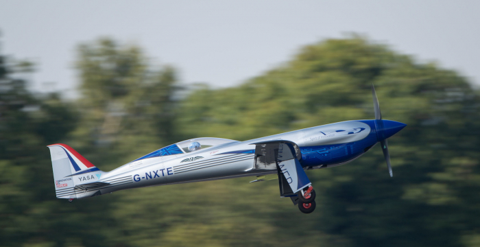 """""""Rolls-Royce""""un elektrik təyyarəsi ilk uçuşunu reallaşdırıb"""