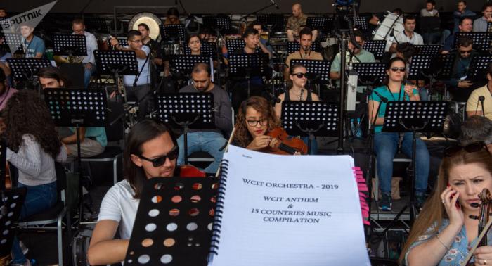 Süni intellekt Bethovenin yarımçıq simfoniyasını bitirdi -    VİDEO