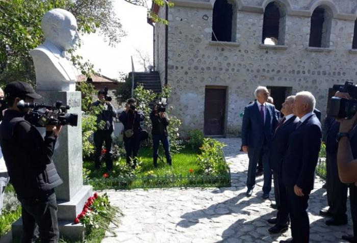 Comienza la visita de famosas figuras de la cultura azerbaiyana a Shusha