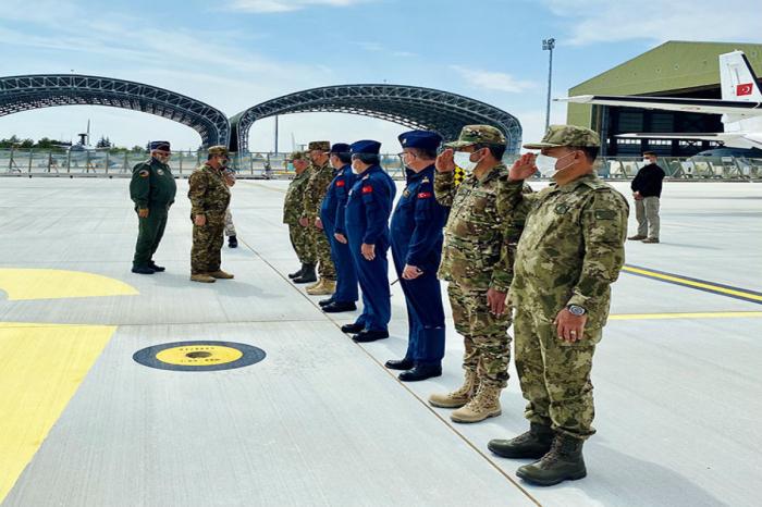 Le ministre azerbaïdjanais de la Défense se rend en Turquie