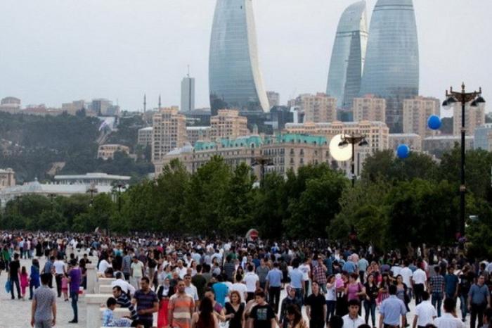 La population azerbaïdjanaise a atteint 10 142 392 personnes