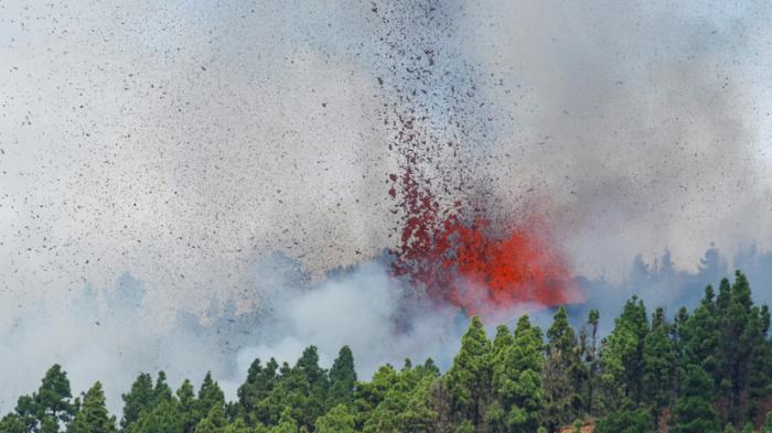 Palma adasında vulkan püskürüb: Sakinlər evakuasiya olunur-   VİDEO