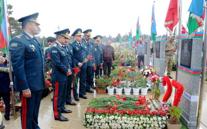 DSX generalları İkinci Şəhidlər xiyabanını ziyarət edib -  FOTO