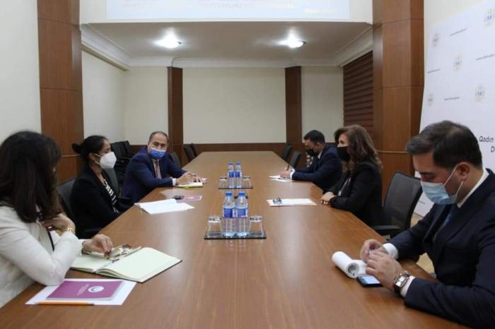 Bahar Muradova Dünya Bankının rəsmisi ilə görüşüb