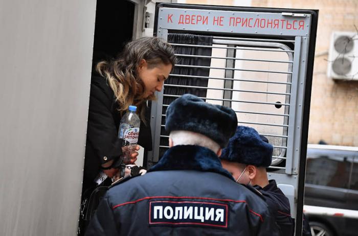 Moskvada 6 mindən çox adam mitinqlərə görə mühakimə olunub