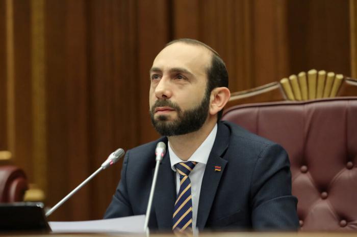"""Ermənistanın  """"ingilis bayrağı""""  siyasəti"""