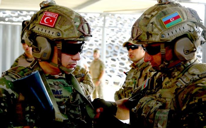 Les exercices militaires conjoints azerbaïdjano-turcs se sont terminés dans la région de Latchine  – VIDEO