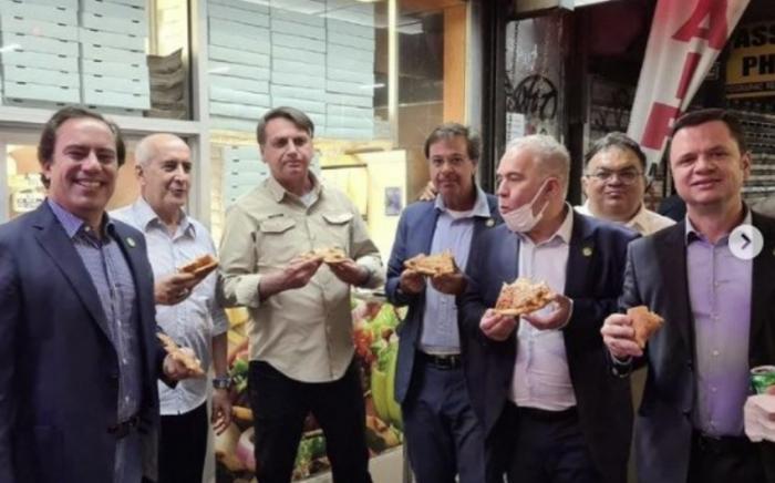Braziliya prezidenti restorana buraxılmadı,    küçədə nahar etdi