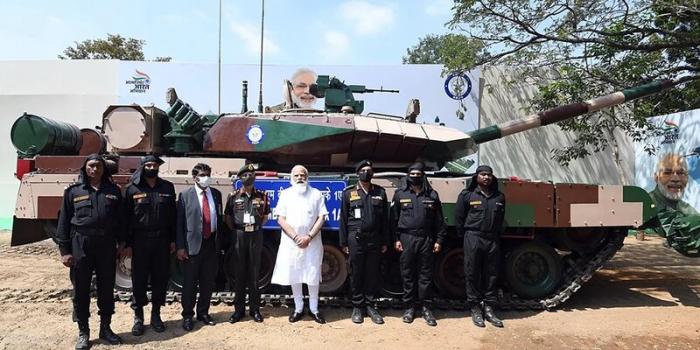 Hindistan müharibəyə hazırlaşır?:   Müdafiə Nazirliyi 118 tank sifariş verib