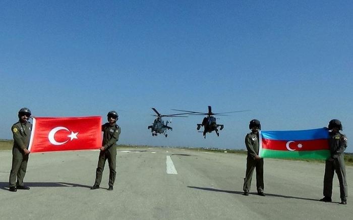 Regresa un grupo de nuestros militares de Turquía