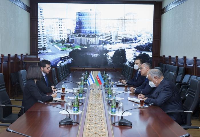 Azerbaiyán e Israel estudian la cooperación aduanera