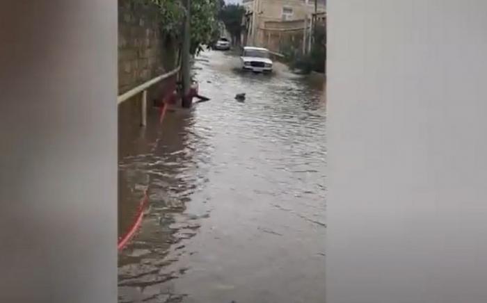 Subasmaya məruz qalan ərazilərdən yağış suları kənarlaşdırılıb -    FHN