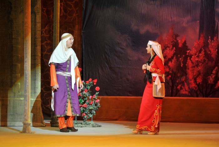Se presenta la primera representación en el teatro de Azerbaiyán desde el comienzo de la pandemia