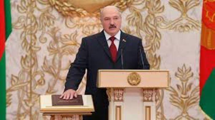 Lukaşenko ABŞ-ın Əfqanıstandan çəkilməsini utancverici adlandırıb