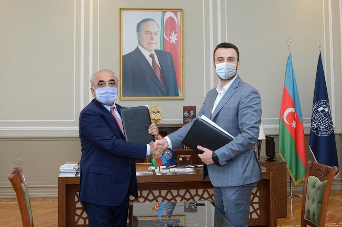 """UNEC ilə """"McDonald's Azərbaycan"""" arasında memorandum imzalandı -    FOTO"""