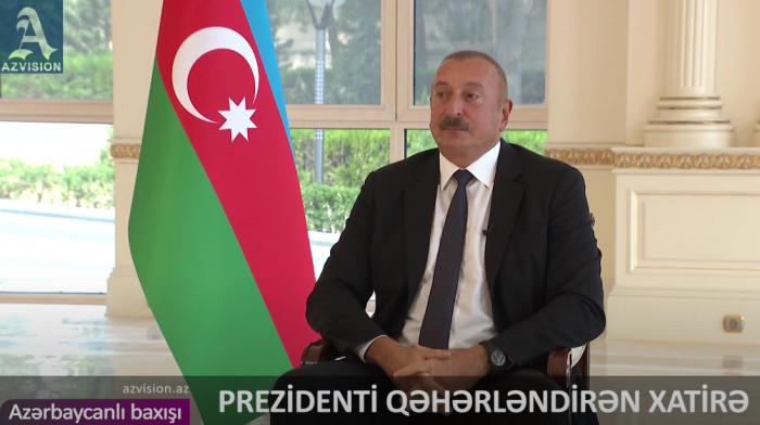 """Prezident qəhərini boğa bilmədi:    """"Budur Azərbaycan xalqı"""" –    VİDEO"""