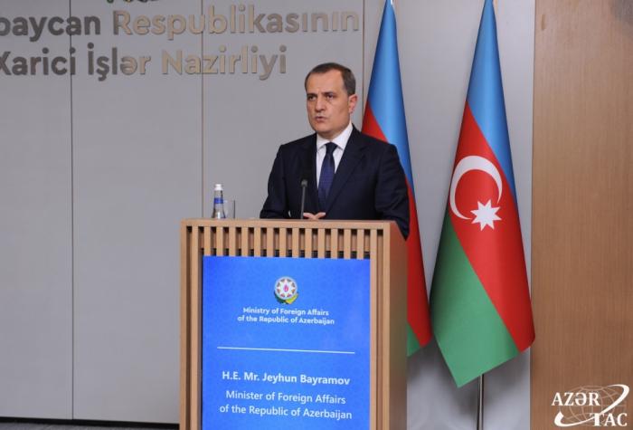 وزير الخارجية:   مماطلة أرمينيا عملية الترسيم تؤدي الى توتر