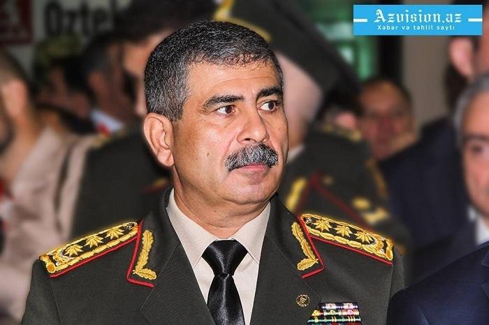 Le ministre azerbaïdjanais de la Défense a rencontré le commandant des forces de maintien de la paix russes
