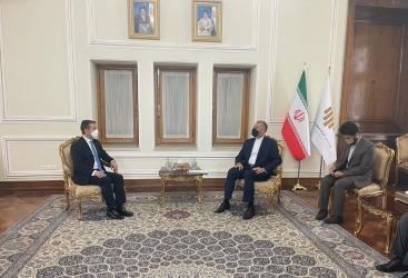 سفير أذربيجان يقدم نسخة من اوراق اعتماده الى وزير الخارجية الايراني
