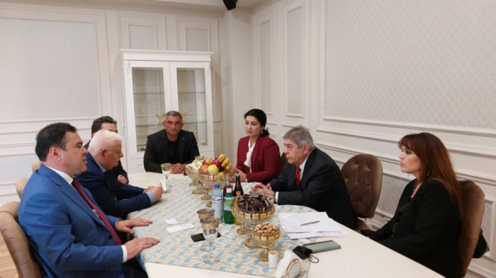 Azerbaijan, Uzbekistan discuss bilateral relations