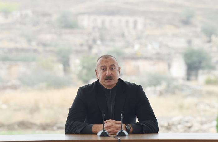 Prezident Cəbrayıl ictimaiyyətinin nümayəndələri ilə görüşüb