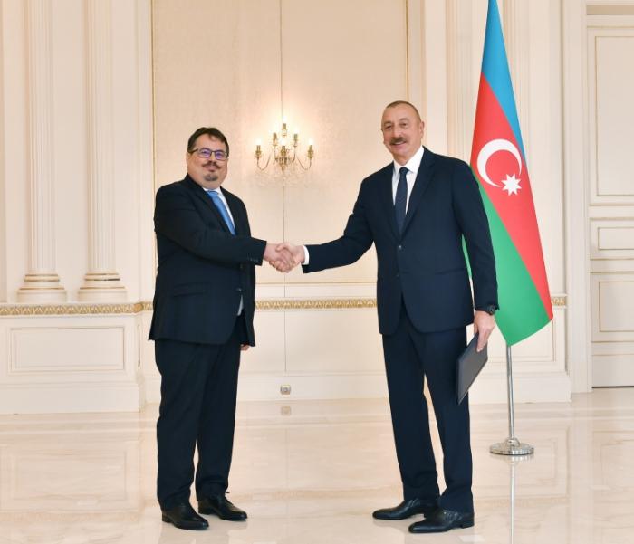 الرئيس إلهام علييف يتسلم أوراق اعتماد الرئيس الجديد لمندوبية الاتحاد الأوروبي في أذربيجان -   صور