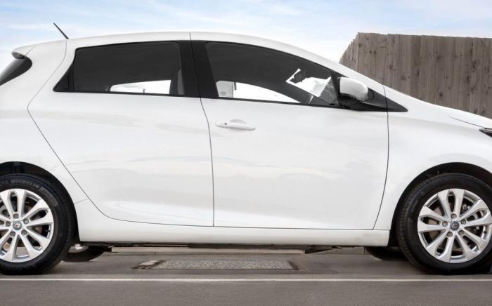 Elektromobillər küçədə təmassız şarj olunacaqlar-   FOTOLAR