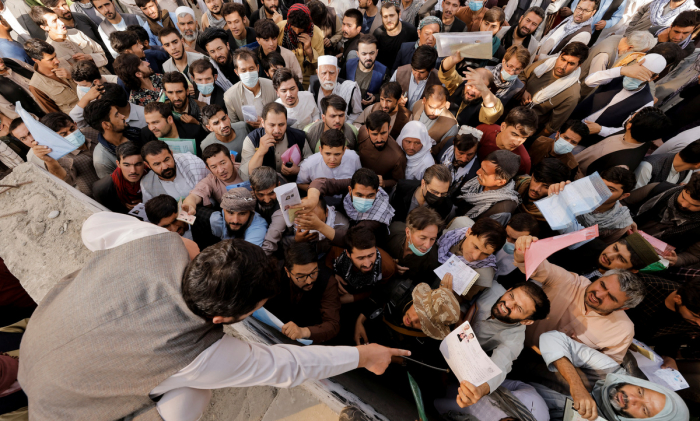 Afghans flock to passport office reopened by Taliban -  NO COMMENT