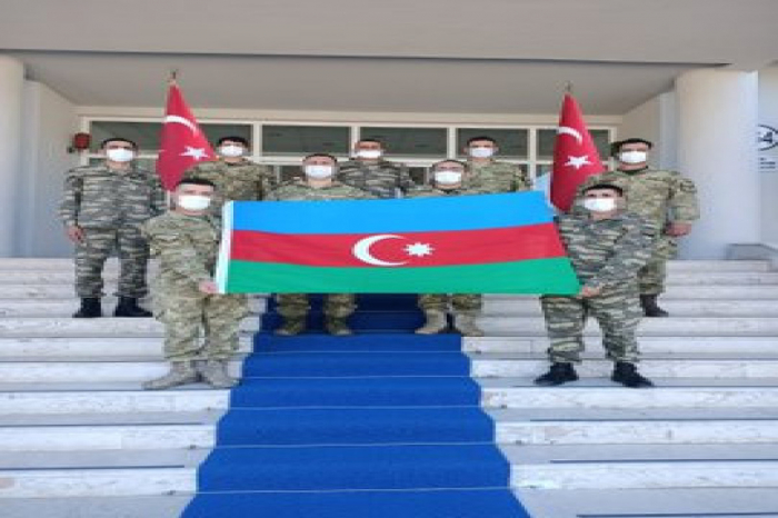 Azerbaijani servicemen participate in a training course in Turkey