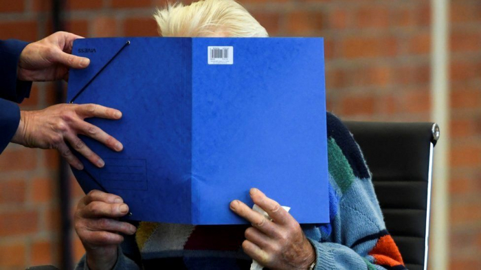 Nazi trial: 100-year-old SS guard in court in Germany