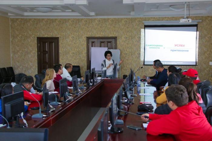 Panel session devoted to Nizami Ganjavi held in Kazakhstan