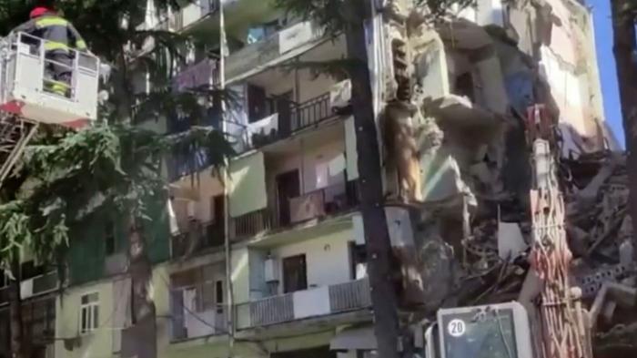 Se derrumba un edificio de apartamentos en Georgia