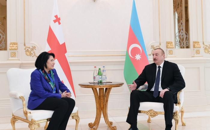 Ilham Aliyev expresó sus condolencias a la presidenta de Georgia