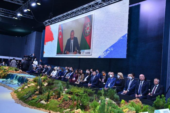 Continúa la reunión del Movimiento de Países No Alineados presidida por el Presidente