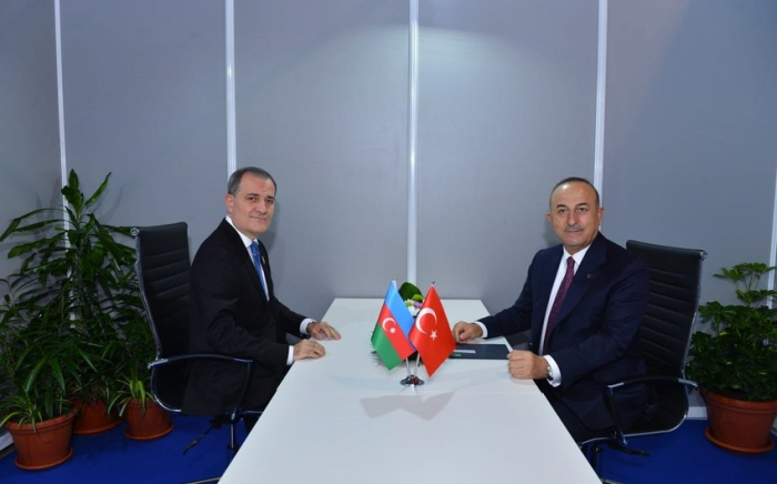 Azerbaijani, Turkish FMs meet in Belgrade